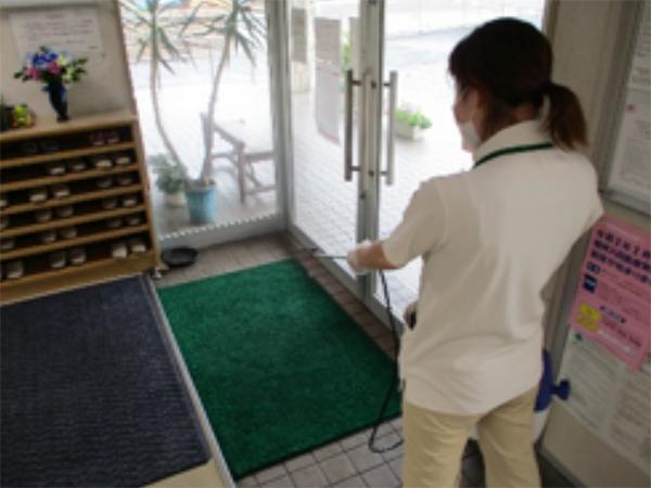 雄岡病院朝の掃除イメージ